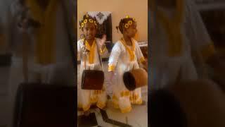 ethiopian  funny kids  song አበባ አየሁሽ
