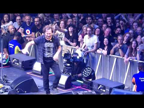 """""""All Along the Watchtower"""" - Pearl Jam live @ The O2 London 17 July 2018"""