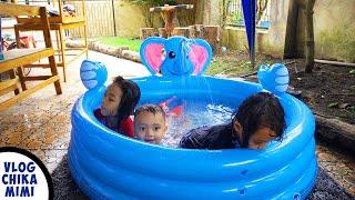 Bermain Air dan Mandi Di Kolam Renang Karet Gajah Ada Air Pancurnya