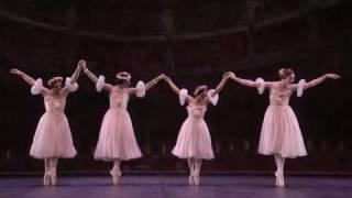 Le Grand Pas de Quatre 12 - Les Ballets Trockadero