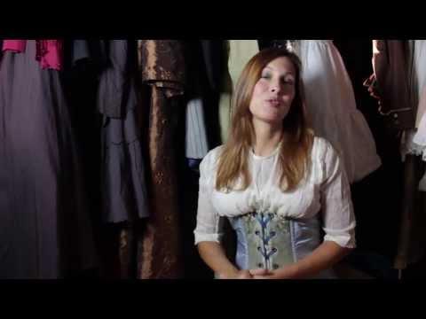 Actress  Julienne Davis