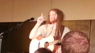 "Newton Faulkner - ""Clouds"" with crowd participation (Live at John Peel Centre)"
