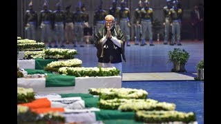 Pulwama Attack: PM Modi Pays Tribute to Mortal Remains of Martyrs at Delhi Airport