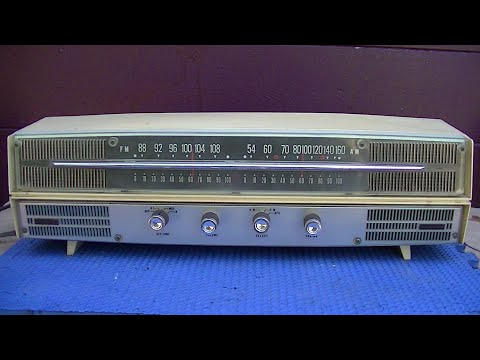 LLoyds TM 988 Vintage AM FM Tube Radio Repair