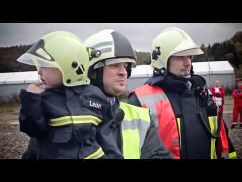 """Leon (5): """"Ich wünsche mir einmal Feuerwehrmann zu sein."""" - Teil 1 von 2"""