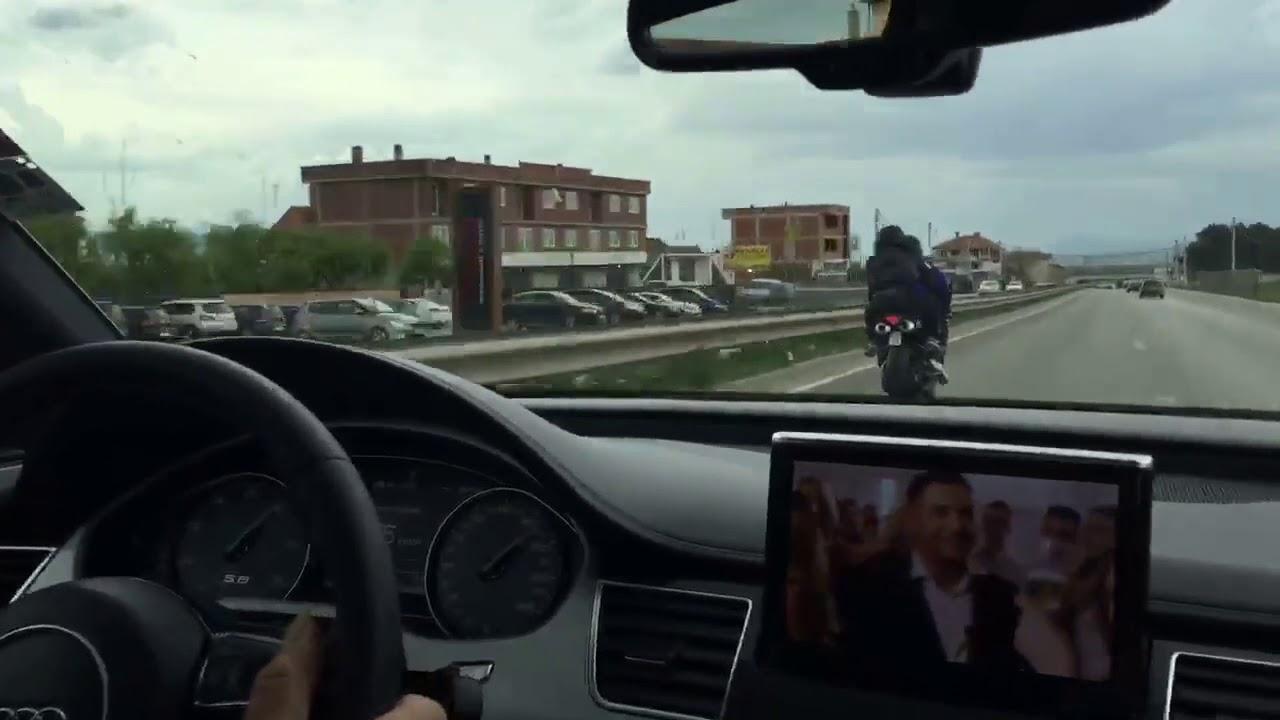 Audi S8 4.0 TFSI vs Yamaha YZF-R1 260km/h+ auf Autobahn