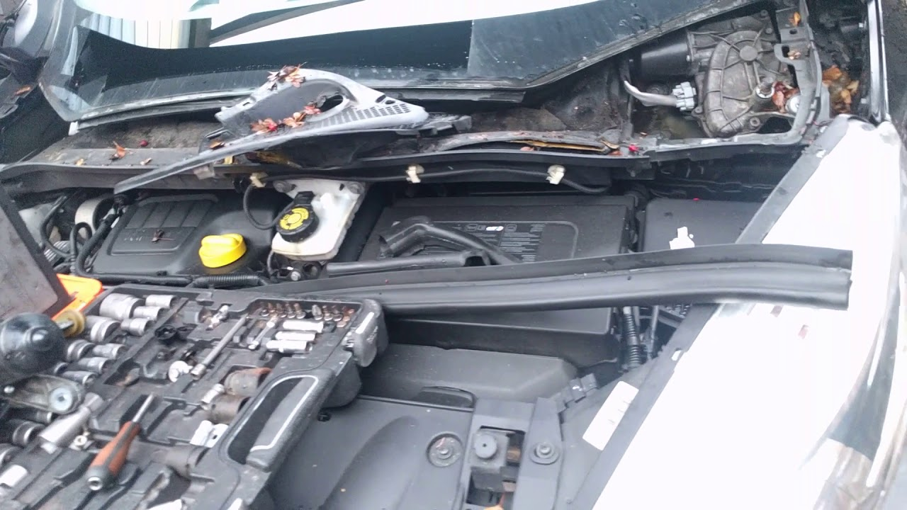 hight resolution of renault grand scenic water in footwell how to clean clocked outlet