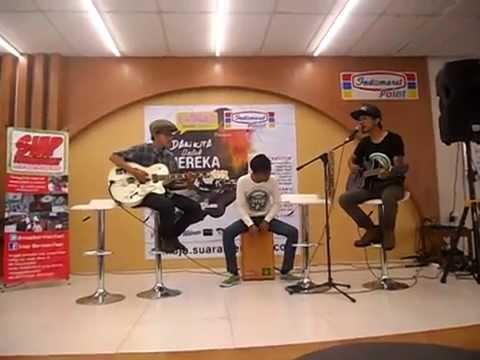 Stand Our Ground - Bhineka Tinggal Duka (Live Acoustic at IndomaretPoint)