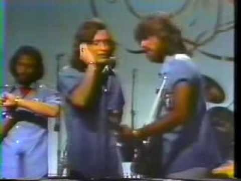 Bee Gees - Holiday  LIVE @ Soundstage, Chicago 1975 7/19