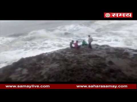 Live Video: 4 youths drowned while enjoying waves of ocean on Nagwa beach in Gujarat