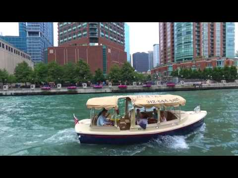 Cruising the Chicago River | Chicago Electric Boat Company