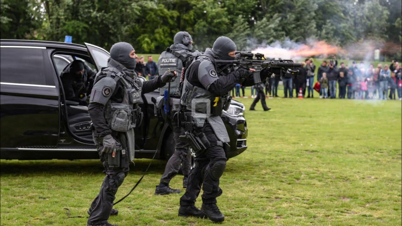 Dienst Speciale Interventies Politie geeft demonstratie in het Zuiderpark! #1127