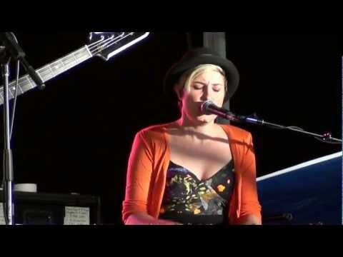 8/11 Missy Higgins - Warm Whispers (HD)