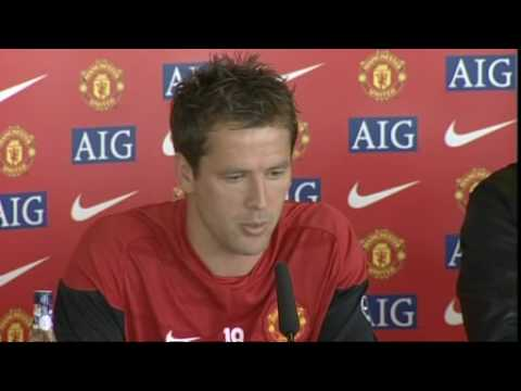 Michael Owen is unveiled by Manchester United