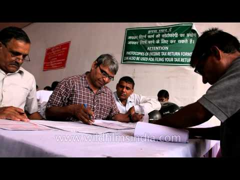 Income tax payers busy in filing ITR