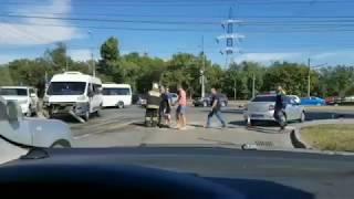 Появилось видео с места ДТП с маршруткой и мотоциклом в Волгограде