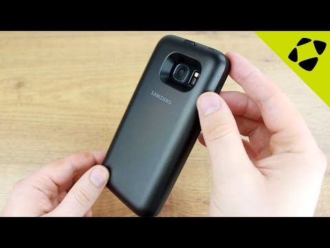 Official Samsung Galaxy S7 Wireless Charging Battery Pack Case Review - Hands On