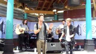 2am club perform worry about you for a private group of q92 contest winners