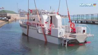 Керчь: на воду спустили катер МЧС
