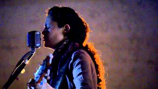 Mercedes Escobar - Heart Attack and Vine live at La Erre (Tom Waits cover)