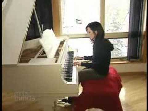 Dolores O'riordan - her house in Canada