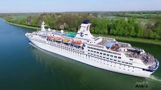 MS Astor Kiel-Kanal Passage 07.05.2016
