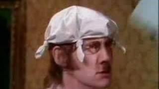 Monty Python - Mr Gumby, agyspecialista