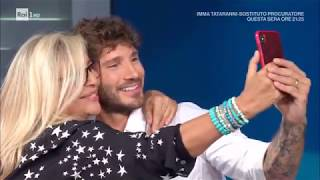 Stefano De Martino canta un medley per Mara Venier - Domenica In 29/09/2019