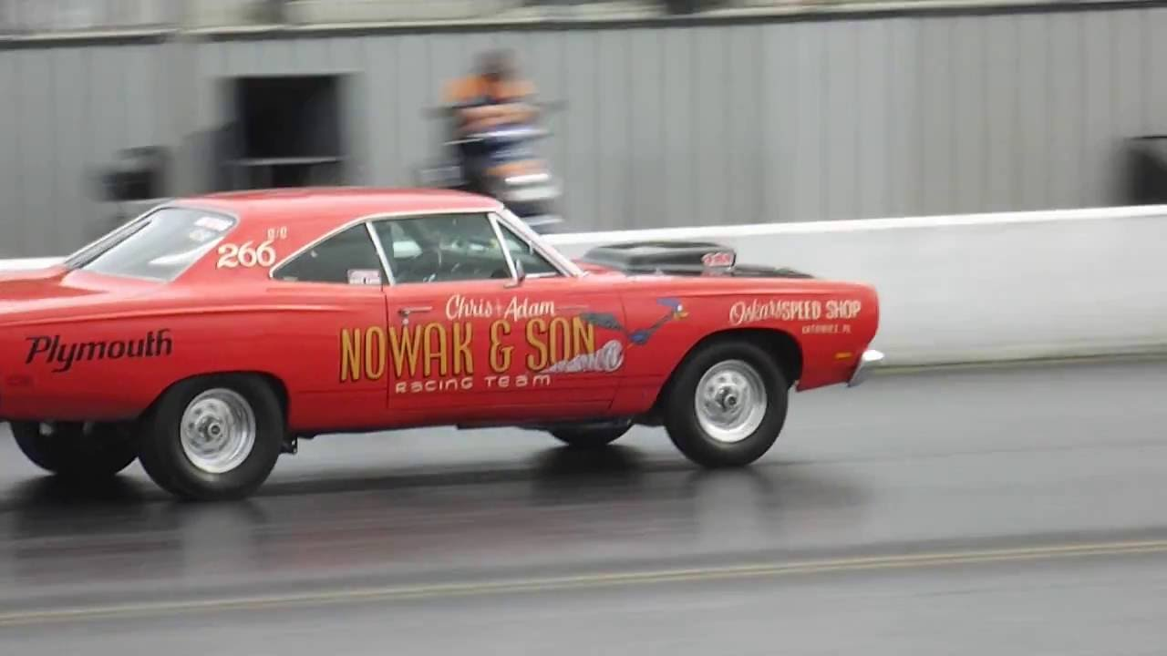 Dodge dart Hemi Super Stock Drag racing at Santa Pod Drag Stelgia ...