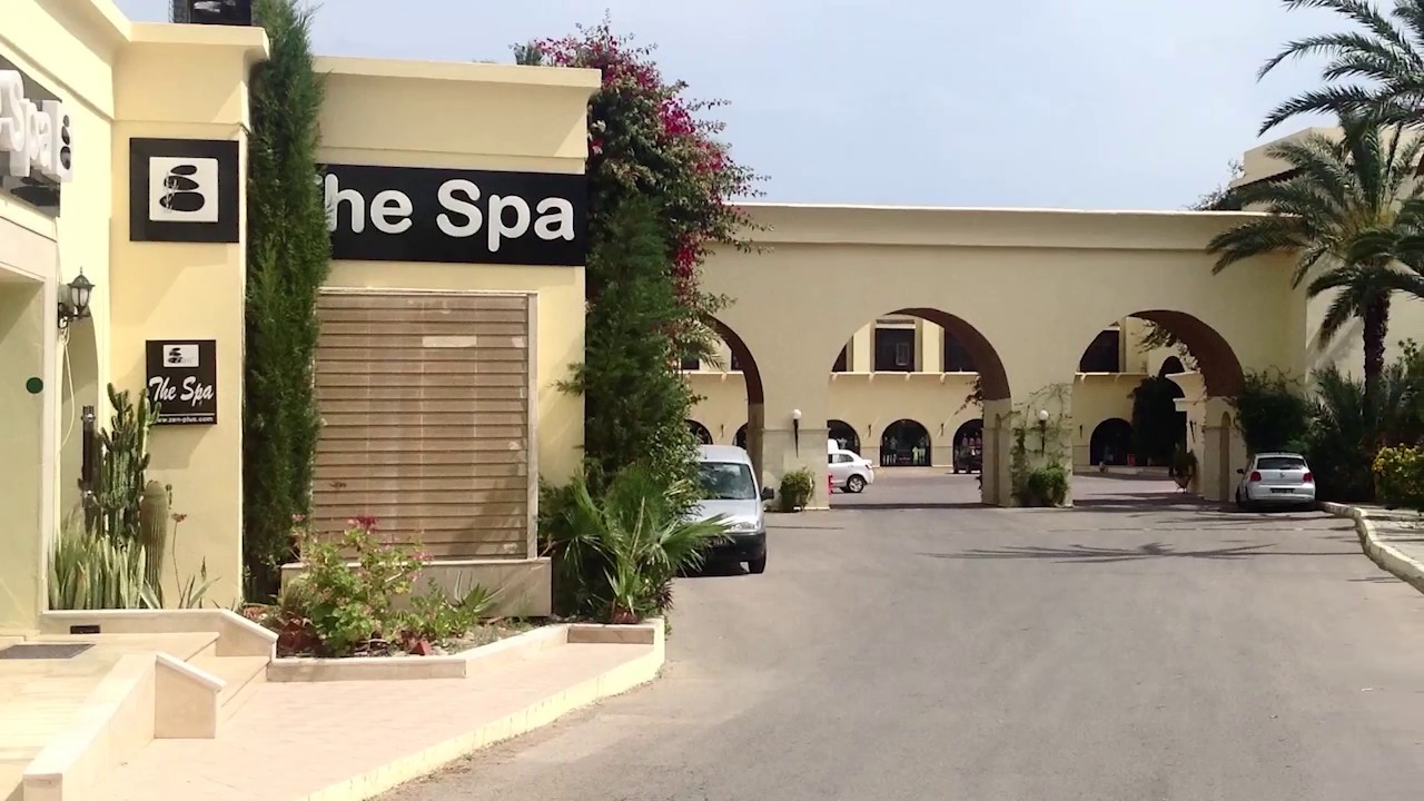 Hotel le paradis palace youtube for Salon 9 places tunisie
