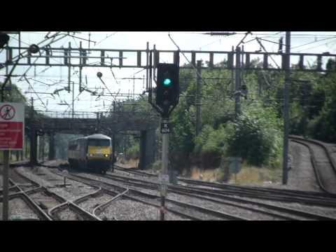 TRAINS AT WELWYN GARDEN CITY