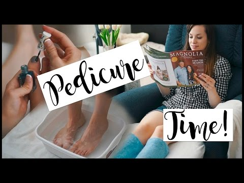DIY PEDICURE AT HOME | HOW TO DO A PEDICURE!