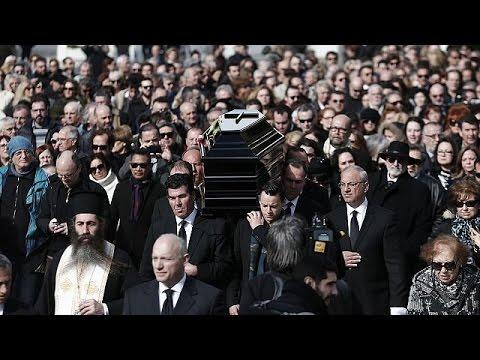 "Demis Roussos, l'ultimo saluto al ""bambino di Afrodite"""