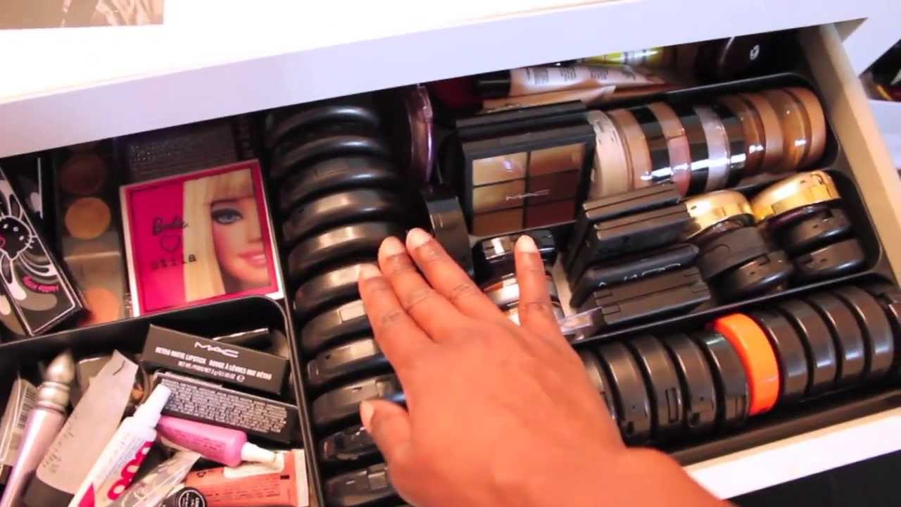 Makeup Room Tour  Vanity Girl Mirror  Organizing and