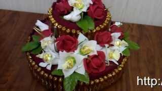 Торт из конфет. Подарок ручной работы(Представляем Вашему вниманию подарок ручной работы - торт из конфет. Высота этой композиции 25 см., диаметр..., 2013-04-06T15:57:50.000Z)