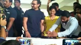 At Aamir Khan's Birthday CELEBRATIONS he JOKINGLY asks wife Kiran to keep the phone aside | SpotboyE