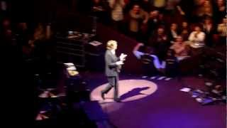 "Paul Weller introduces Paul McCartney "".. it gives me no great pleasure"""