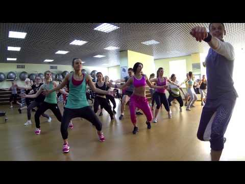 ZUMBA in Manhattan fitness club