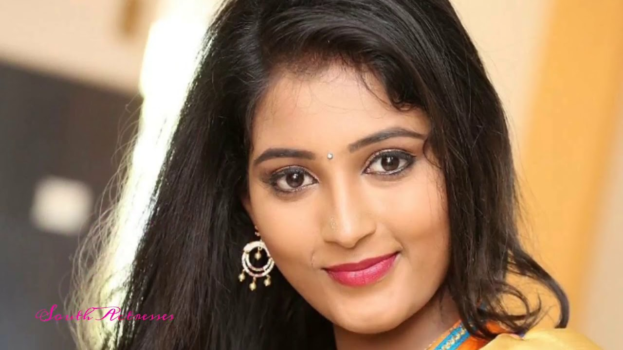 Actress Teja Reddy Hot In Saree Latest Photos South