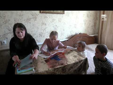 Министр труда и социальной защиты РФ Максим Топилин посетил многодетную семью в КЧР