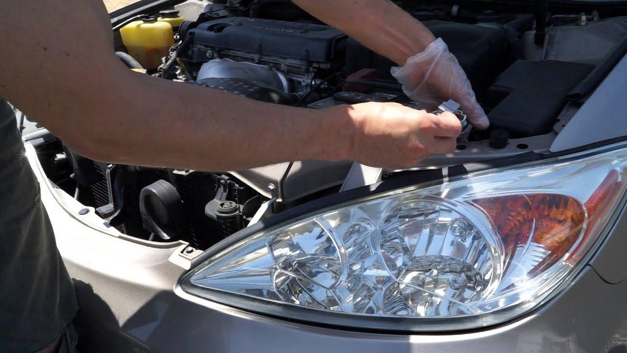 2002 toyota camry headlight bulb size