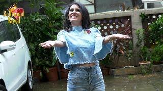 Shweta Khanduri Does A Rain Photo Shoot For Single 'Baarish Ke Bahane'