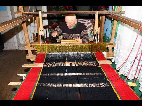 Traditional Loom Weaving with Multiple Shuttles