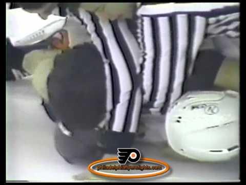 Jan 19, 1985 Rick Tocchet vs Bob Rouse Philadelphia Flyers vs Minnesota North Stars