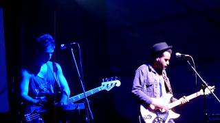 Twin Shadow - Tether Beat (live)