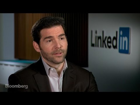 LinkedIn CEO Expects Integration With Microsoft Outlook, Windows