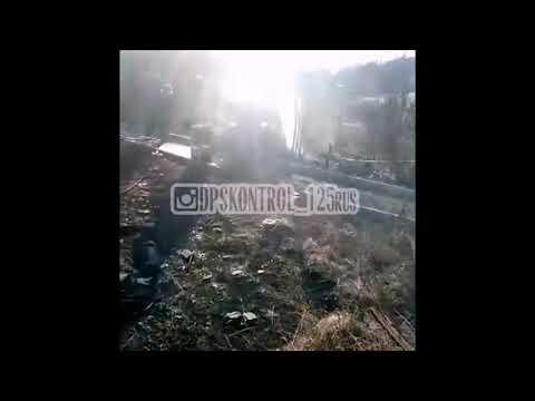 В Партизанске Nissan Sunny перелетел магазин и загорелся (ВИДЕО)