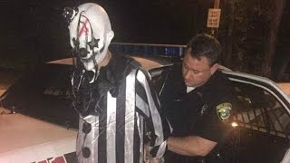 Repeat youtube video Creepy Clown Gets Arrested