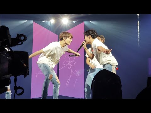 180922 Keke Do You Love Me @ BTS 방탄소년단 Love Yourself Tour in Hamilton Fancam 직캠