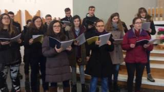 Występ Chóru Akademickiego Politechniki Warszawskiej w kościele w Ptaszkowej